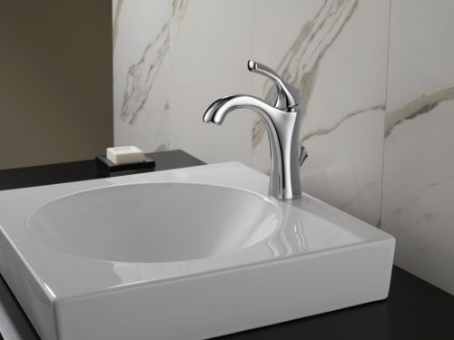 Delta Faucet 592-DST Addison Single Handle Lavatory Faucet