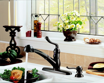Delta 473-RBSD-DST Saxony Single Handle Pull-Out Kitchen Faucet with Soap Dispenser and DIAMOND(TM) Seal Technology Venetian Bronze