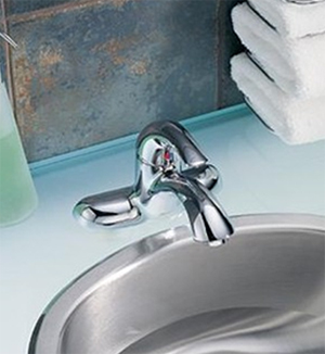 Delta Commercial 22C101 Teck (R) Series Single Handle Lavatory Faucet Chrome