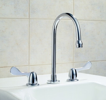 Delta Commercial 3579-WFLGHDF HDF (R) Series Two Handle Widespread Lavatory Faucet Chrome
