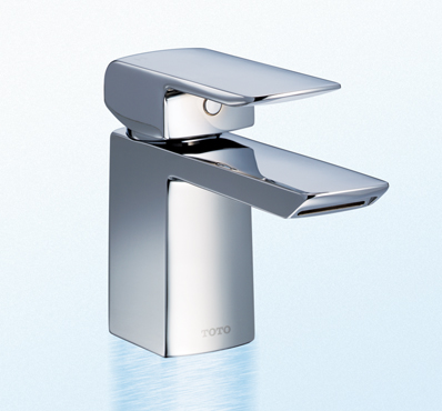 Brushed nickel or chrome faucet for Chrome or brushed nickel kitchen faucet