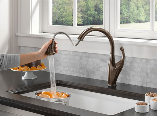 Delta 9192T-RB-DST Addison Single Handle Pull-Down Kitchen Faucet Featuring Touch2O
