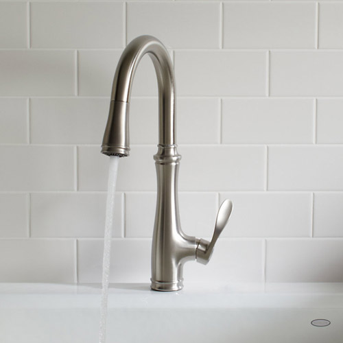 Kohler k 560 vs bellera pull down kitchen faucet for Craftsman style kitchen faucets