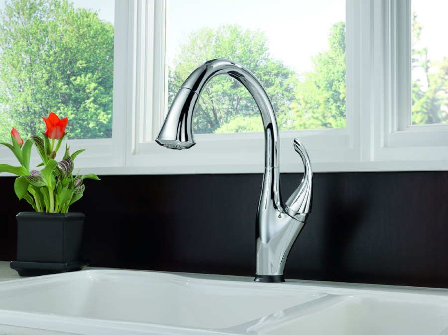 Delta 9192T-SD-DST Addison Single Handle Pull Down Kitchen Faucet