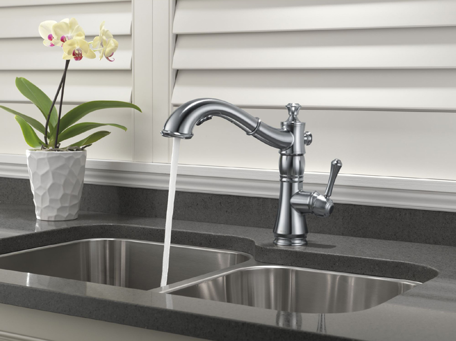 Delta Cassidy Pull Out Kitchen Faucet Arctic Stainless