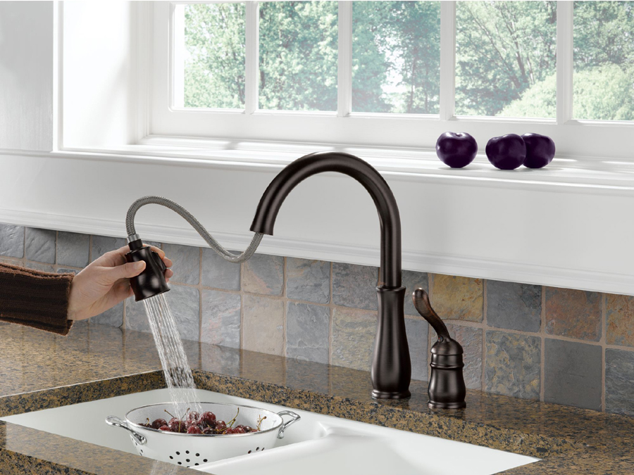 Delta 978-RBWE-DST Leland Single Handle Pull-Down Kitchen Faucet