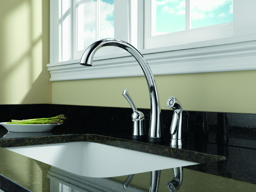 Delta 4380T-DST Pilar Single Handle Kitchen Faucet with Touch2O Technology and Spray