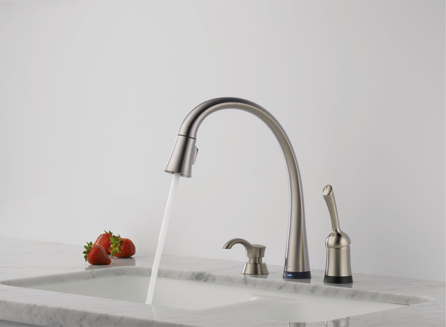 Delta 980T-SSSD-DST Pilar Single Handle Pull-Down Kitchen Faucet with Soap Dispenser