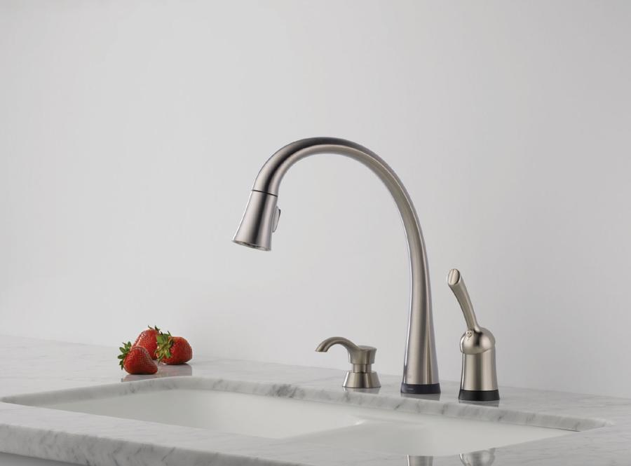 Delta 980T-SSSD-DST Pilar Single Handle Pull-Down Kitchen Faucet ...