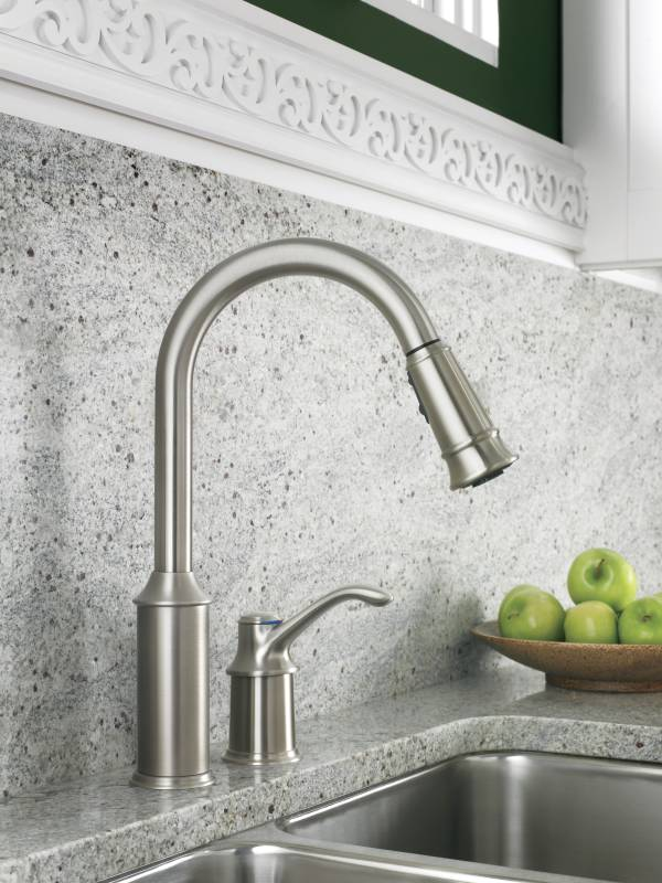 Moen 7590CSL Aberdeen Single-Handle Pullout Kitchen Faucet - Classic ...