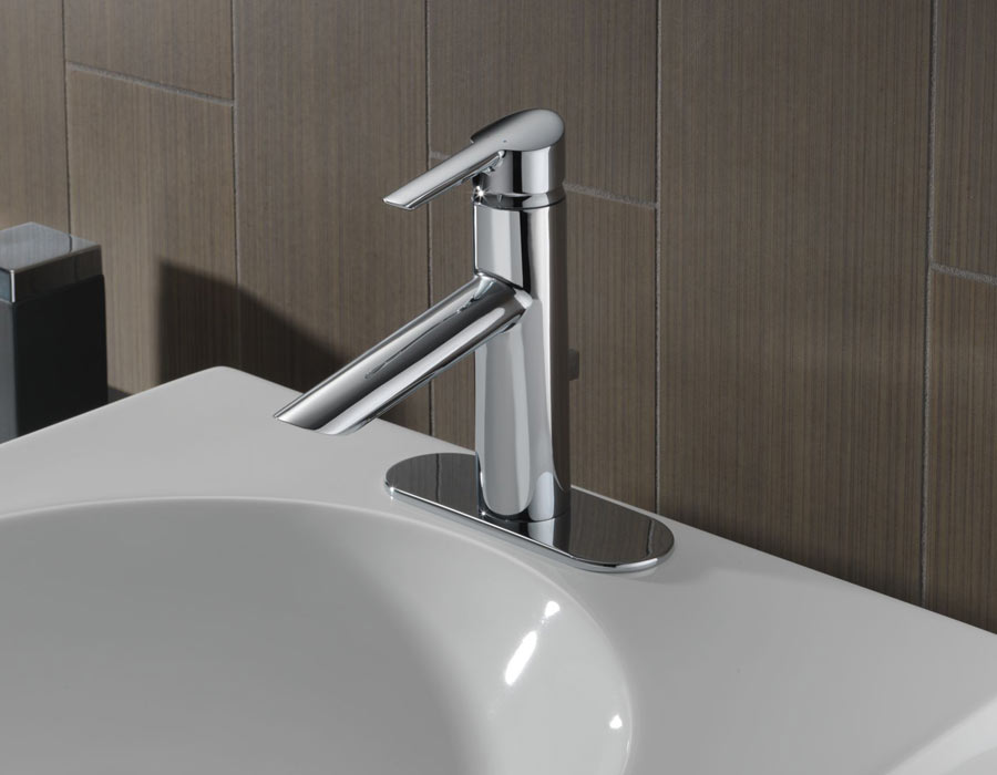 Delta Compel Bath Collection